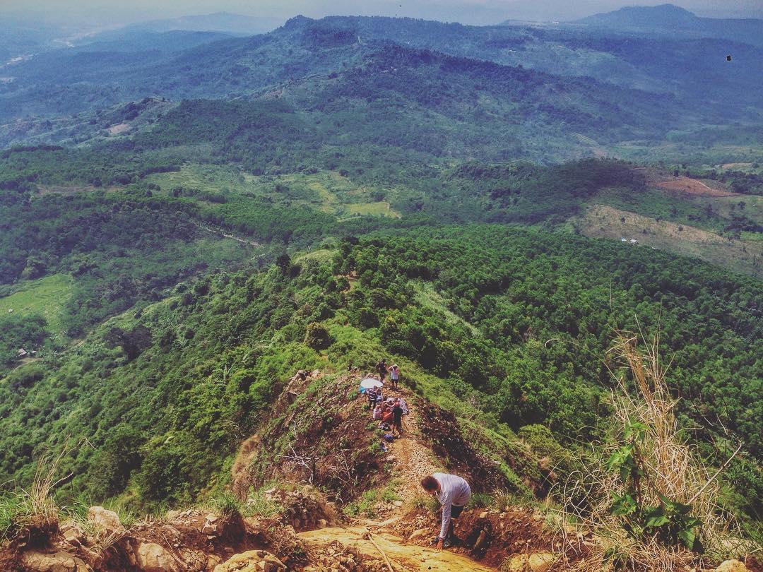 Gunung Batu rekomendasi trekking