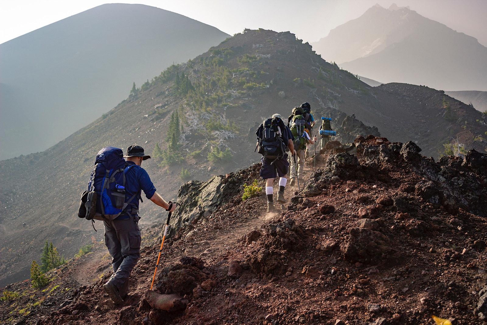 hiking adalah trekking adalah