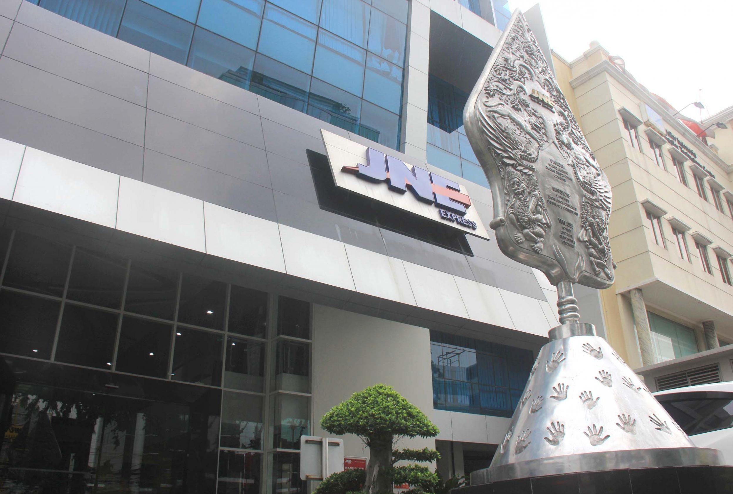 Kantor Pusat JNE di Jl. Tomang Raya Jakarta Barat.