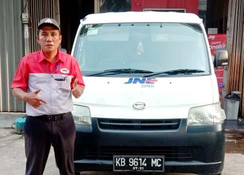 Driver Ardiansyah, sudah sejak 2017 bergabung dengan JNE Pontianak