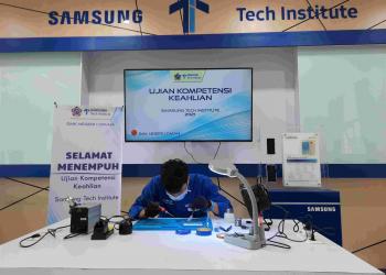 Samsung Electronics Indonesia, melalui program Samsung Tech Institute (STI), mengadakan Uji Kompetensi Keahlian (UKK) dengan mengedepankan kompetensi yang seimbang sebagai pedoman, guna mengevaluasi kompetensi serta kesiapan siswa STI sesuai kebutuhan dunia industri dan usaha.