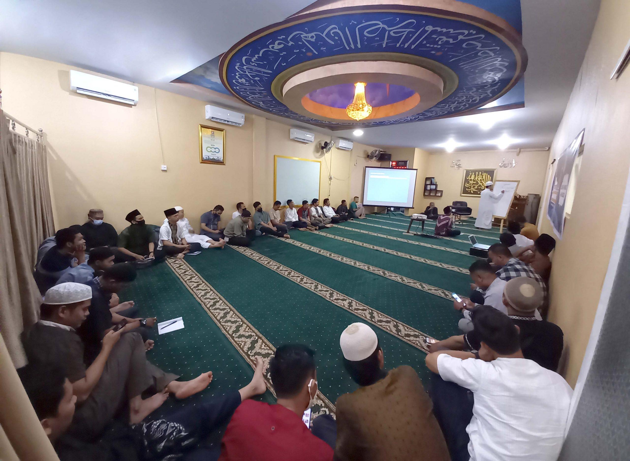 Sebanyak 44 karyawan JNE Medan mengikuti acara kegiatan Pesantren Express